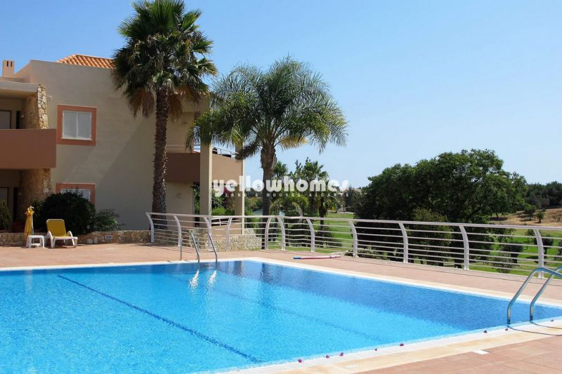 2-bed first floor apartment at a famous Golf Resort near Carvoeiro